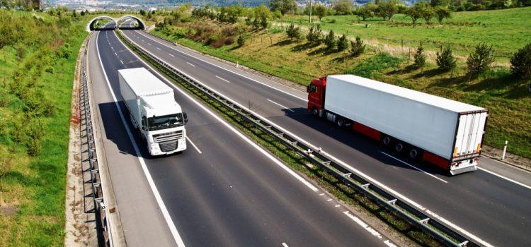 Transport ponadgabarytowy – parametry ładunków, przepisy prawne i kwestie logistyczne